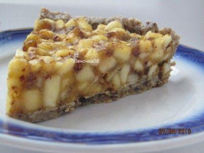 Яблочный десерт (сыроедческий) финики-23-25 шт орехи грецкие-200г(уже чищенных) яблоки- кисло-сладкие- 3-4 шт мед 1 ст.л вода 1/2 ст корица молотая- 1/2 ч.л. соль-щепотка лимонный сок- 1-2 ст.л.