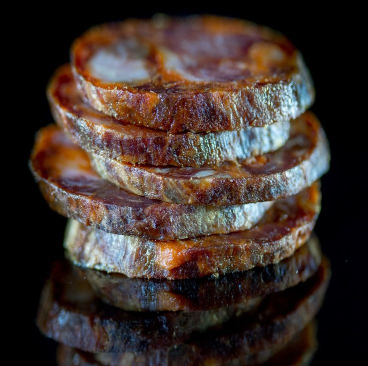 This artisanal Chorizo Ibérico de Bellota melts in your mouth! Get Ibérico Club's authentic Chorizo delivered at: https://ibericoclub.com/buy/artisanal-chorizo-iberico-bellota  #IbericoTime #ibericos #chorizoiberico #chorizobellota #chorizo #spanishchorizo #foodporn #gastronomy #foodies #foodie #foodlover #foodlovers #welovefood #foodpics #delicacy #delicious #delicacies #yum #yummy #yummyfood #bellota #spanishfood #spanishgastronomy