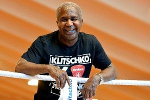 Emanuel Steward, famed boxing trainer, dies at 68. We miss you.