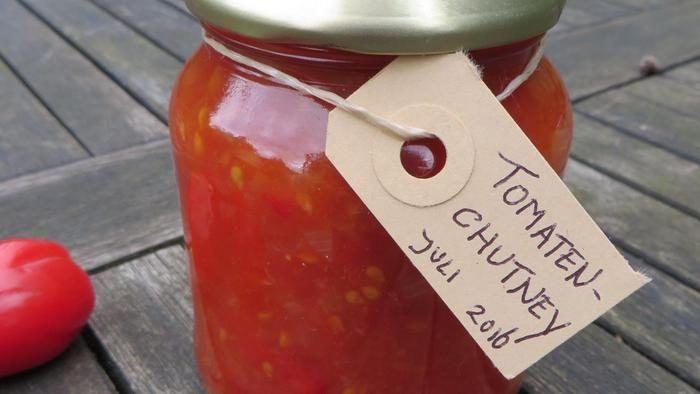 Wat zullen we eens eten vanavond? Iedere dag in de Volkskrant een verrassend recep. Vandaag: tomatenchutney met gember en agavesiroop. Voor 3 tot 4 po