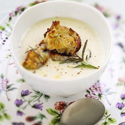 Jordärtskockssoppa med rosmarin