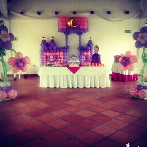Hermosas decoración en globos Yopal Casanare celular 3105570372