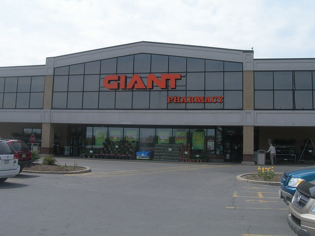 GIANT Food Store sign - State...    Please LIKE, REPIN, SHARE :) !    nice! Shopped at Giant when we lived in Maryland.