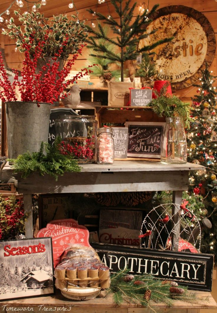 Christmas display @ our shop Retail Christmas display ideas Timeworn Treasures…