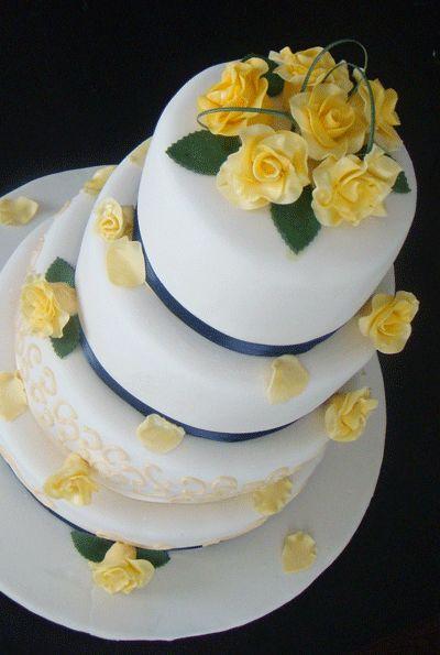 17 Best ideas about Grey Wedding Cakes on Pinterest | Bow ...