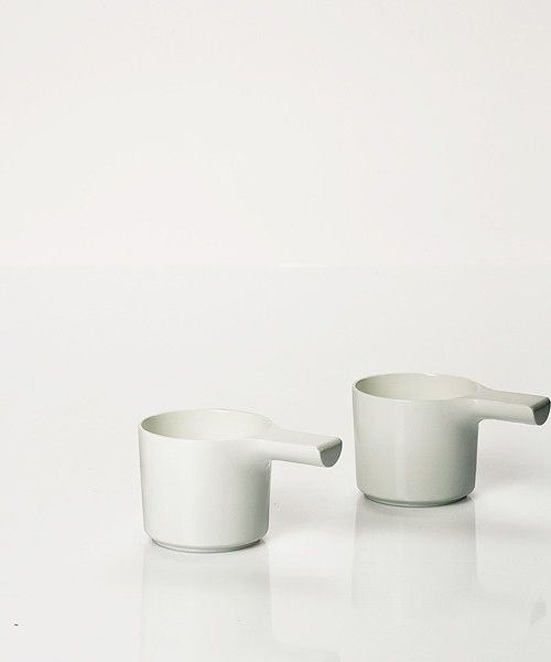 Times is a minimalist design collection created by Switzerland-based designer Fredrik Wærnes. The collection consists of coffee pots, cups, milk carafes and sugar shakers. The inspiration for these objects was from outdoor coffee brewers. The aesthetic pronounces the cultural separation between the past and now. (3)