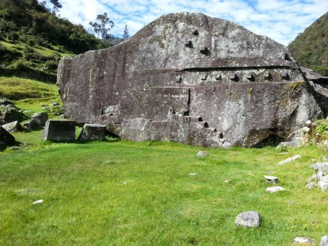 Vitcos Peru: Last Refuge Of The Inca Built Around More Ancient Megaliths - there was a more advanced civilization before the Inca