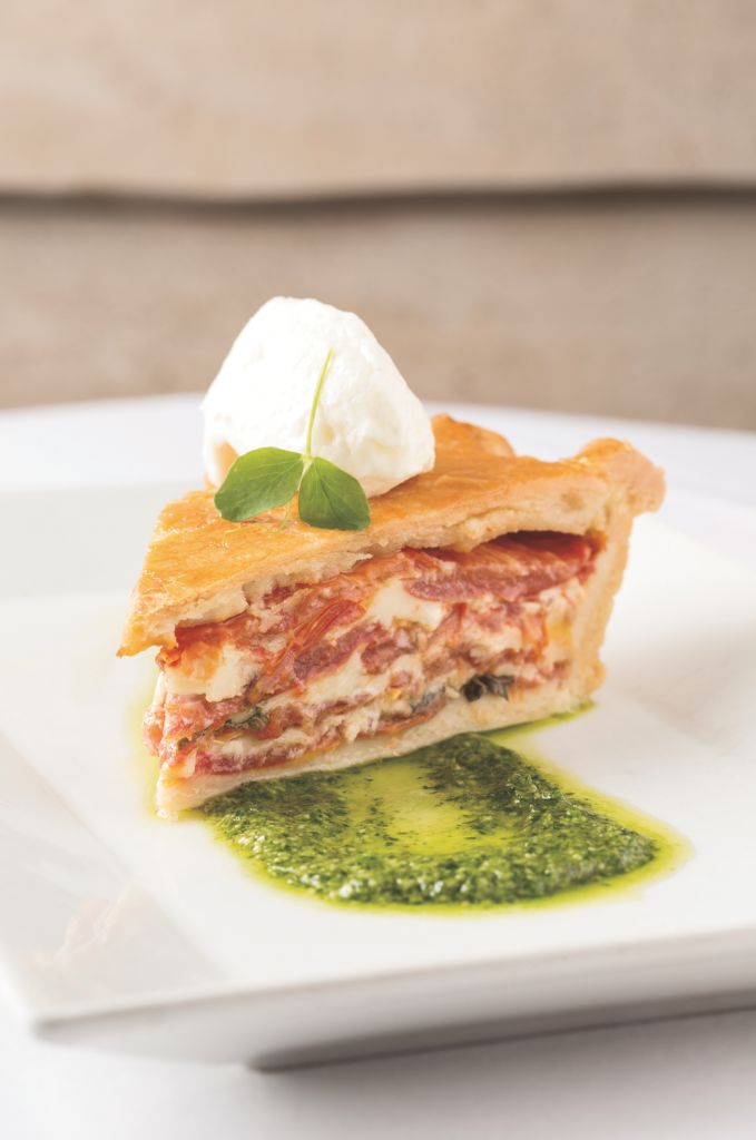 #Heirloom #Tomato #Pie #Recipe http://www.organicauthority.com/heirloom-tomato-pie-recipe/