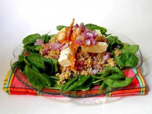 Spenótos saláta grillezett sajttal