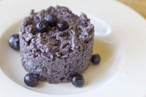 [introduzione] La ricetta del risotto ai mirtilli neri risulta ideale per un pranzetto diverso dal solito. Se è ottimo da gustare in famiglia, diventa perfetto…