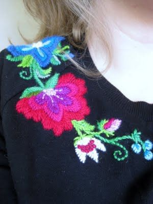 From Karin Holmberg's Blog - påsöm embroidery. She is an amazing designer/artist/embroiderer.