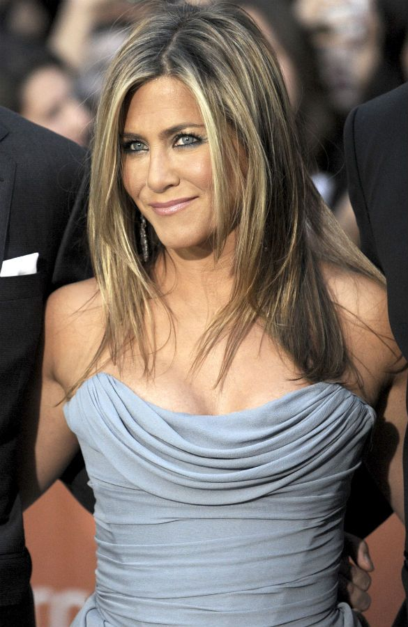 Jennifer Aniston's hair evolution - INSIDER