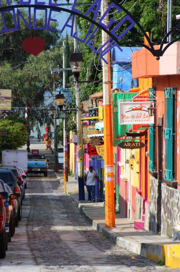 Ajijic, Jalisco, Mexico. Photo © by Antonio Ramblés.
