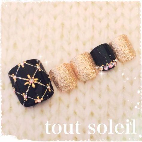 tout_soleilさんのフット,チップ,ゴールド,ビジュー,サンプルチップネイル♪[1291375]|ネイルブック