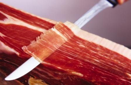 Un buen corte de jamón ibérico de bellota  http://www.todoextremadura.com