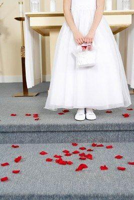 Fürbitten sollten das Wohl aller Anwesenden mit einbeziehen. - Fürbitten für das Brautpaar: Vorlagen und Ideen