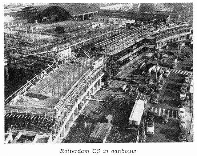 station Rotterdam Centraal in aanbouw, op de achtergrond de restanten van Rotterdam DP