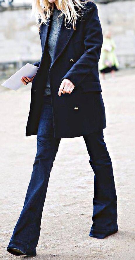 Flared jeans http://www.videdressing.com/femme/vetements/jeans/jeans-tres-evases-pattes-d-elephant/c-c6031.html#uc/c-c6031-f7053_7041_7039_7538-n180.json?utm_source=pinterest_post&utm_medium=social_network&utm_campaign=EN_flaredjeans_13012015
