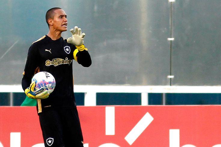 Goleiro Renan chega a acordo com o Botafogo e não fica em 2016 #globoesporte
