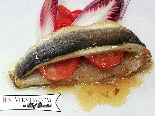 Filetti di branzino farciti con il lardo di Colonnata: un singolare esperimento culinario del nostro chef unisce, in un piatto, il mare e le Alpi Apuane!  #Ricette #cucina