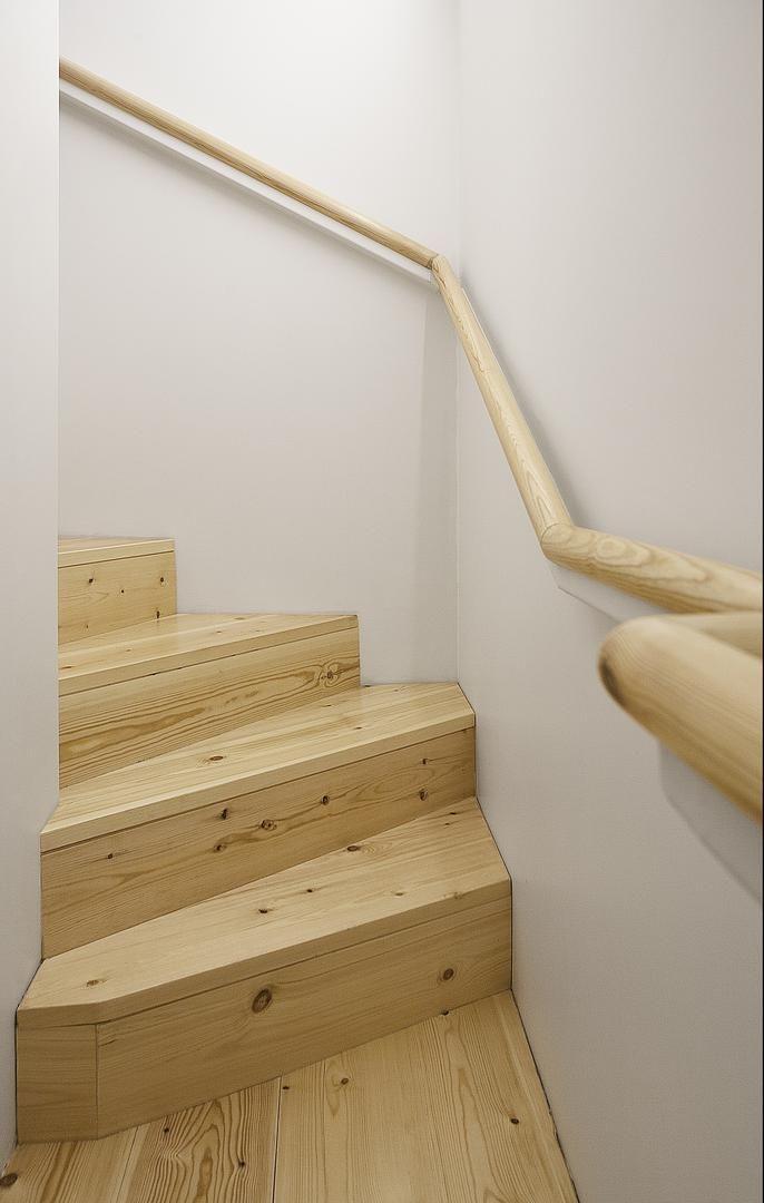 Culebra sin fin... continuidad del pasamanos en la  reforma de portal y escalera de La Ascensión. Con foto de @roi_alonso. Para ver más: http://somaa.es/proyecto/la-ascension/ #arquitectura #arquitecturainterior #galicia #coruña