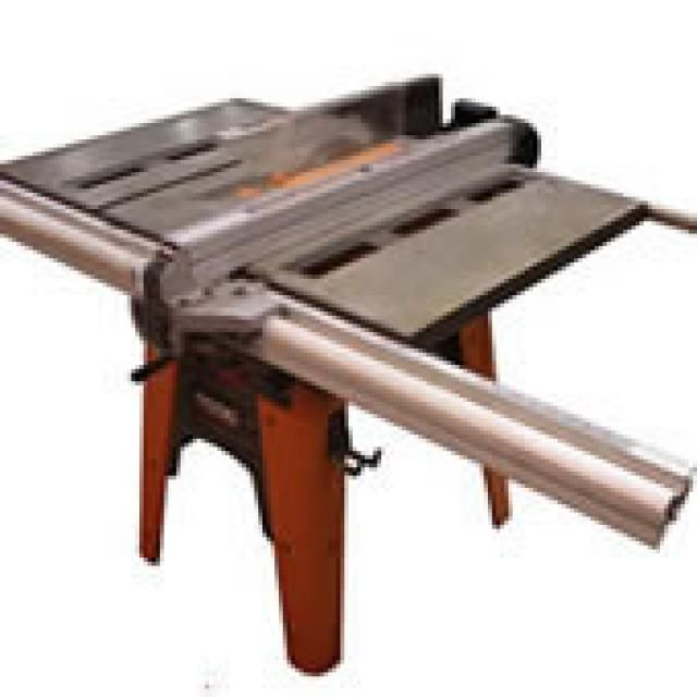 Contractor Table Saw - (c)2006 Chris Baylor licensed to About.com, Inc.