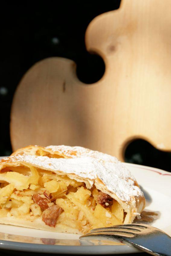 Südtiroler Apfelstrudel - selbst gemacht... Trudel & pic;)