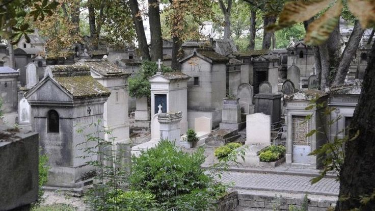 Père-Lachaise (Parigi, Francia) | Halloween, i 5 cimiteri più inquietanti del mondo
