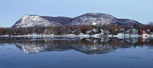 Another shot of Mont St. Hilaire from a Christmas Eve afternoon shoot from the Beloeil side of the Richelieu River. Beloeil is about 32km east of Montreal. #mountain, #reflection, #dusk