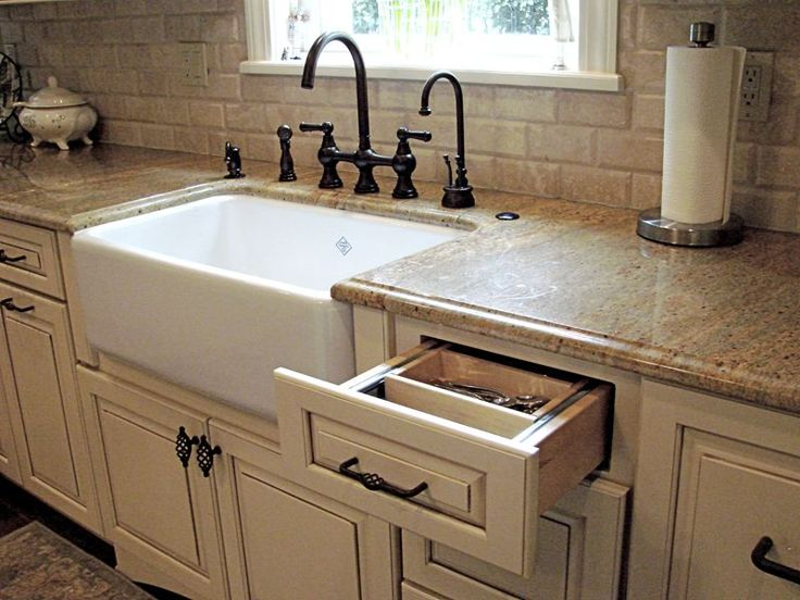 countertop sinks kitchen best 25 ceramic kitchen sinks ideas on 2683
