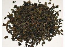 FORMOSA DONG DING GREEN OOLONG  Typischer, teil-fermentierter grüner Oolong aus Taiwan, überzeugt mit seinem vollmundigen weichen Geschmack. Die feinen Teeblätter enthalten nur sehr wenige Gerbstoffe, daher ist der Tee besonders mild. Mehrere Aufgüsse möglich
