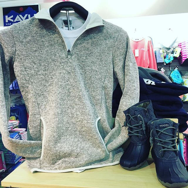 Prepped for fall from head to toe in the Charles River Pullover and Sperry Duckboots! #Sperry #charlesriver #duckboots