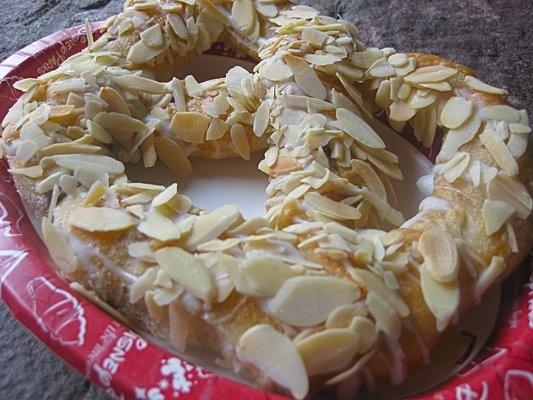 Almond Pretzel (Norway Pavillion): Food Recipies, Disney Foods, Almond Pretzel, Copycat Food, Pretzel Norway, Disney Foodie