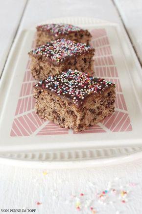 Ich backe total gerne Schokoladenkuchen! Generell backe ich gerne Kuchen, aber am häufigsten lande ich bei Schokoladenkuchen. Da reicht es mir auch nicht, ein gutes Rezept zu haben - ich probiere tota