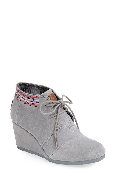 Free shipping and returns on TOMS 'Desert' Suede Wedge Bootie (Women) at Nordstrom.com. A just-right wedge gives you a little lift in a modern, versatile chukka boot laced with utilitarian undertones.