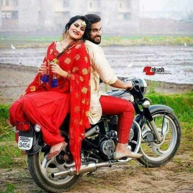 Gedhi time_punjabi couple_bullet