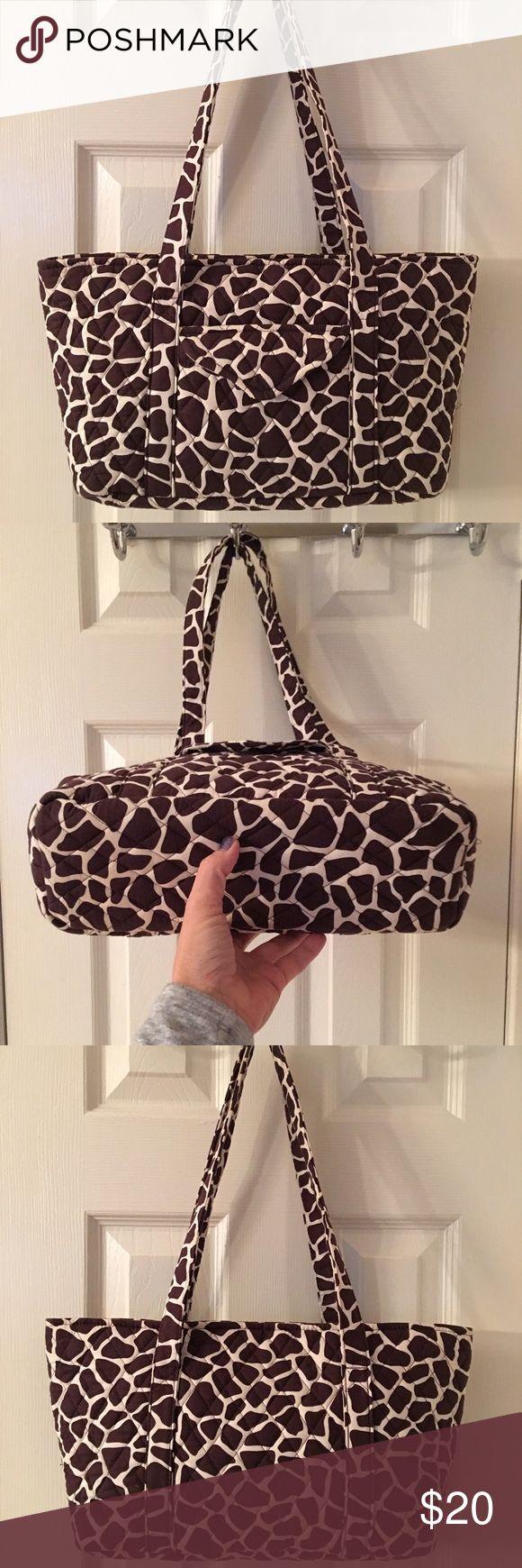 🛍 Kate & Sara Brown Giraffe Print Shoulder Bag Cotton bag.  Zip closure.  Like new.  6 interior pockets.  Exterior Velcro pocket.  Key clip.  Measures: 12x3.5x8x10.5. Kate&Sara Bags Shoulder Bags