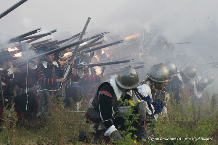Musket volley at Battle of Grolle, fought in 1627.