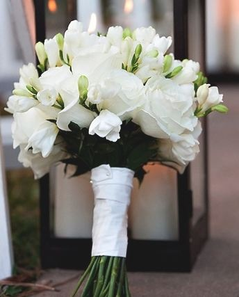 Black and white wedding flowers, wedding bouquet, brides bouquet, bridal bouquet,wedding décor, wedding flower arrangement, add pic source on comment and we will update it.