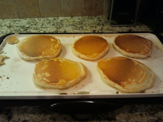 Golden, Extra Fluffy Pancakes