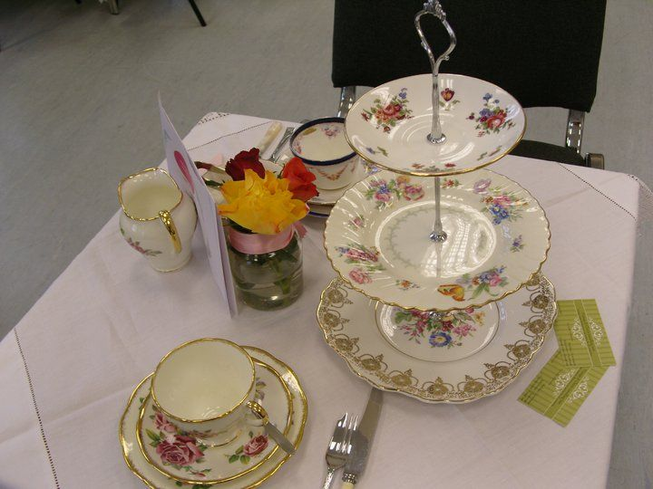 A V & C table setting