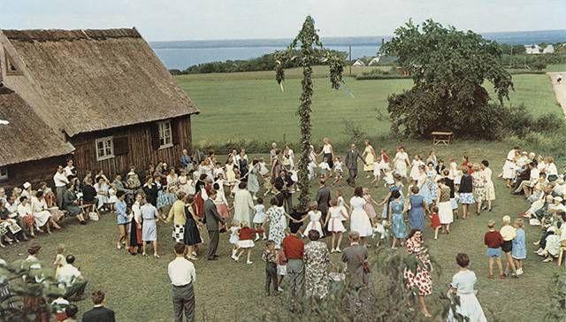 Fakta om midsommar / Facts about midsummer  (in Swedish) Midsommarafton | Nordiska museet