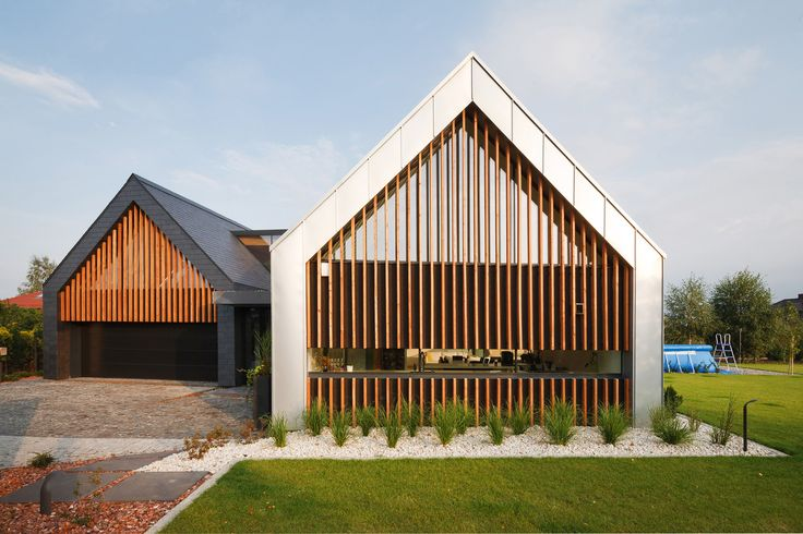 Two Barns House  / RS+
