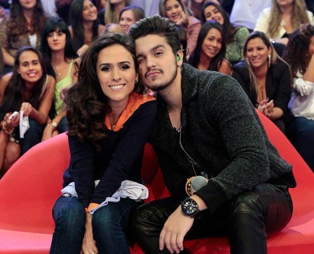 Luan. S - A Bússola: Luan Santana arranca suspiros das fãs no palco do Caldeirão