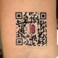 QR code temporary tattoo: Code Temporary, Qr Codes, Promoting Tattoos, Things Apogeeans, Custom Temporarytattoos, Temporary Tattoo, White Ink