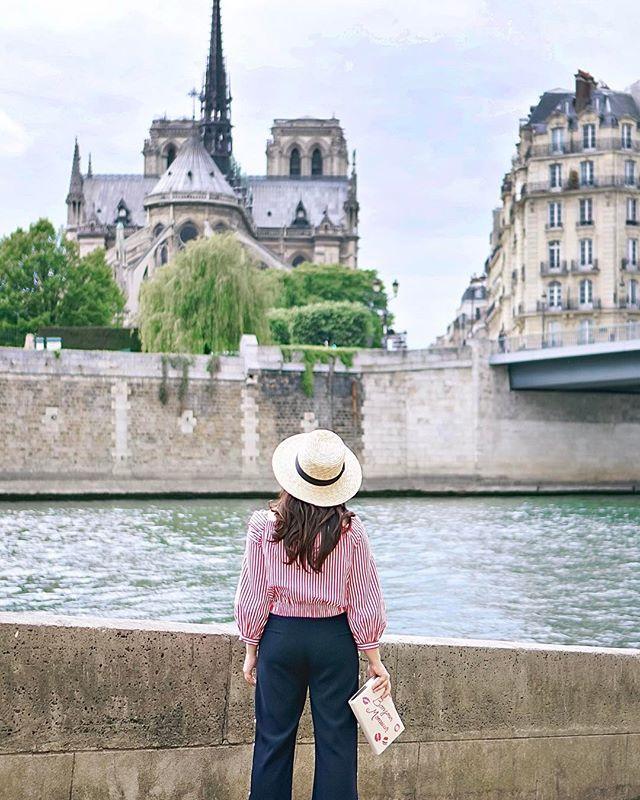 Paris jste-au-Quai 😜 (Pun svolením @sophiamostserene) | SnapWidget