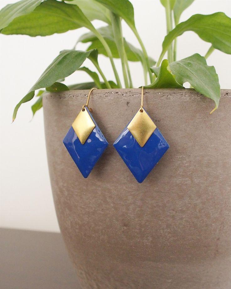 Bijou Émaillé - Boucles d'oreilles losange bleu marine : Boucles d'oreille par adele-louise  #boho #jewels