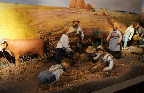 #Lyon Musée des automates les tableaux de #Millet reconstitués