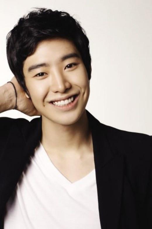 Park Min Woo <3<3<3<3 and his smile :)  #flowerboyramyunshop #korean #kdrama