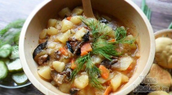 Картошка с тушенкой и грибами